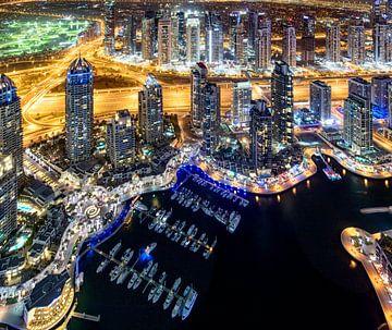 Dubai Marina boten van bovenaf van