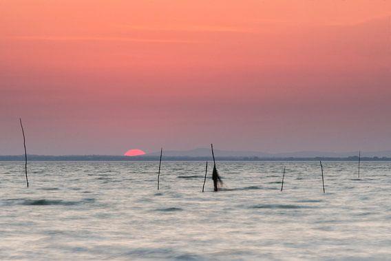 Zonsondergang aan het Meer van Trasimeno (Italië) van Heidi Bol