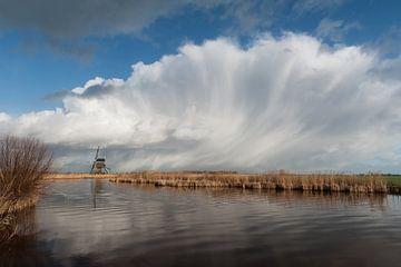 Broekmolen en hagelwolk, van Bart Hardorff