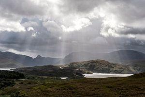 Die Sonne bricht durch, Schottland von Annick Cornu
