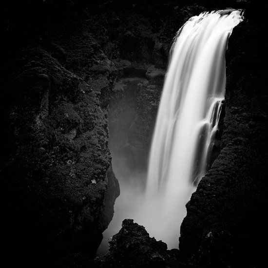 Skogar - Iceland van Arnold van Wijk