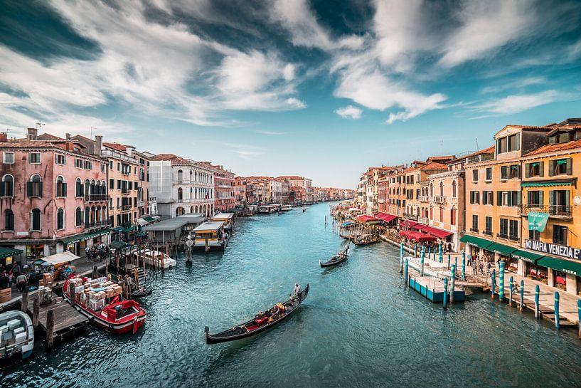 Canal Grande (Großer Kanal) mit Gondeln Venedig in Italien von Atelier Liesjes