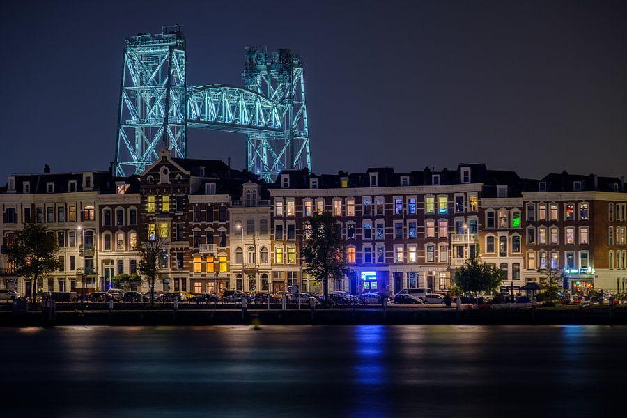 Avondfoto De Hef en het Noordereiland in Rotterdam van Mark De Rooij