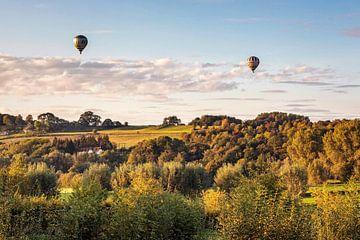 Luchtballonnen boven de Schaelsberg van Rob Boon