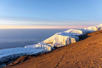 Gletsjer op de Kilimanjaro van Mickéle Godderis