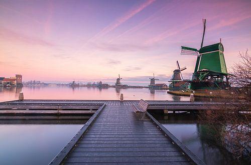 Zaanse Schans bij zonsopkomst van Ilya Korzelius