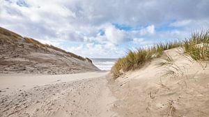 strandopgang bij een harde wind van