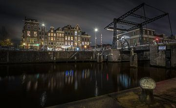 Amsterdam by night van Jeroen Mondria