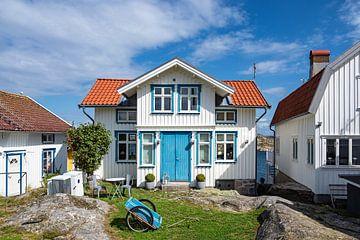 Gebäude im Ort Gullholmen in Schweden von Rico Ködder