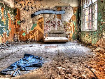 Beelitz Room in abandoned old Sanatorium van Tineke Visscher