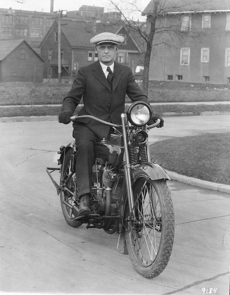Walter Harley Davidson