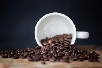 koffiebonen in een kop van Kristof Ven
