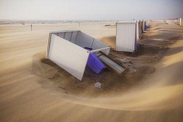 Storm op het Katwijkse strand van Dirk van Egmond
