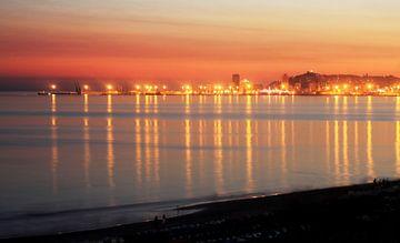 Albanese kuststad Durres bij zonsondergang van Besa Art