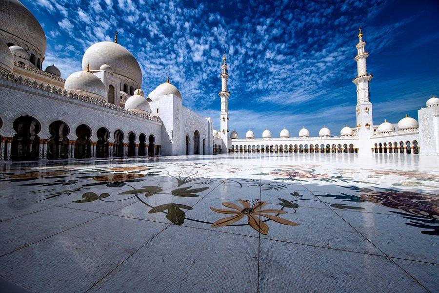 Marmeren vloer van de Sheikh Zayed-moskee in Abu Dhabi