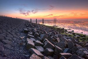Waddendijk Terschelling bij zonsopgang van