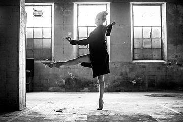 Danspose in de industriële omgeving von Corine de Ruiter