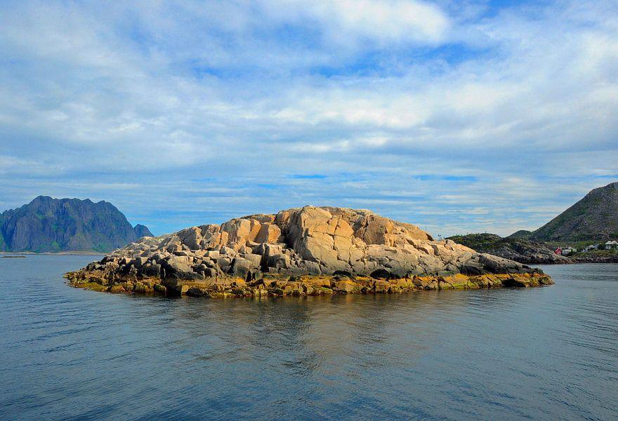 Klein eiland voor de Noorse kust.