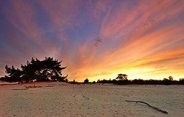 Zonsondergang Aekingerzand van John Leeninga