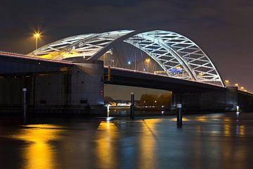 Nachtfoto der Brienenoordbrücke von Anton de Zeeuw