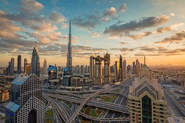Dubai bij zonsopgang van Dieter Meyrl