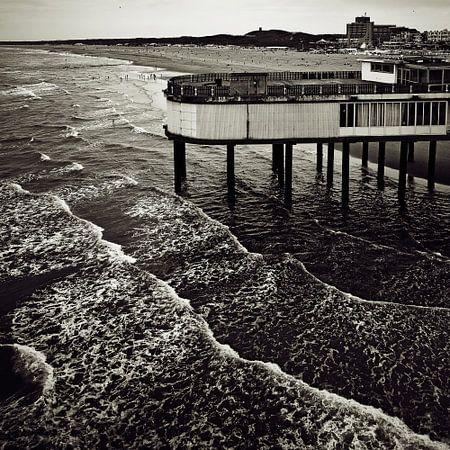 Boven de golven