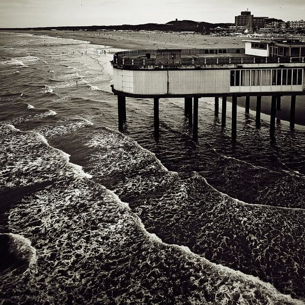 Boven de golven van Ines van Megen-Thijssen