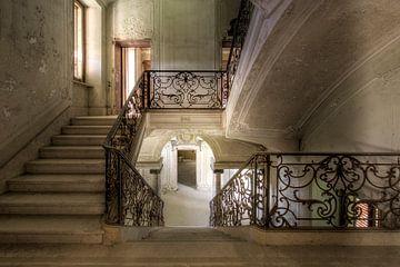 prachtige verlaten trap van
