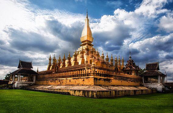 Pha That Luang, Vientiane, Laos van Jaap van Lenthe