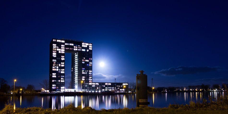 Tasmantoren bij maanlicht van Iconisch Groningen