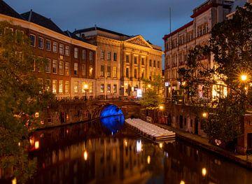 Utrecht Oudegracht in de avond van Marjolein van Middelkoop