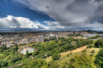 Uitzicht op Edinburg vanaf het kasteel van Jan Kranendonk