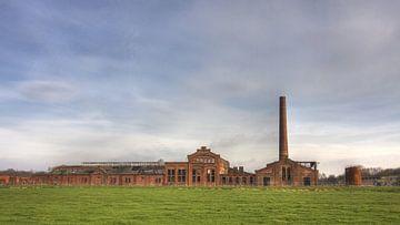Vervallen strokartonfabriek de Toekomst van Sandra de Heij