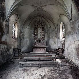 The decay of religion... von Valerie Leroy Photography