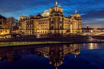 Reichstag in Blauer Stunde sur Pierre Wolter