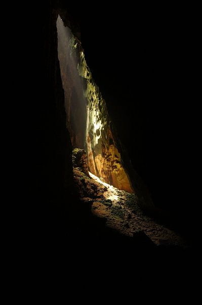 Cave light van Dennis Debie