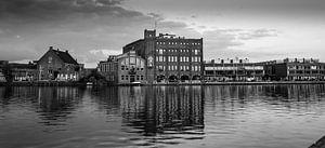 stadsgezicht Haarlem met de oude Droste fabriek