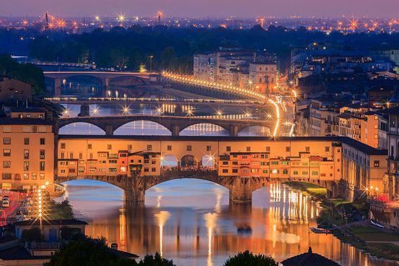 The Ponte Vecchio bridge after sunset