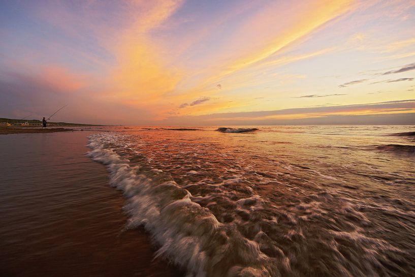 zonsondergang aan zee van Dirk van Egmond