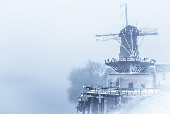 Windmolen in de mist von Brian Morgan