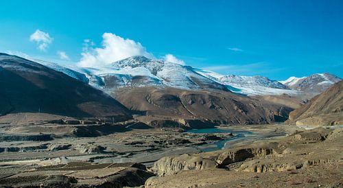 Ongerept berglandschap in Tibet