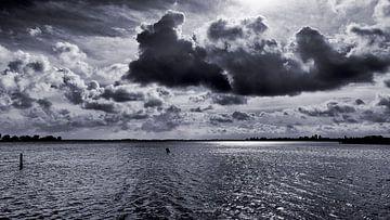 Wolkenlucht boven het Zwet in Noord Holland; een landschap zo vol inspiratie van Studio de Waay