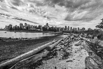 Skyline Vancouver (schwarz-weiß) von Eelke Brandsma