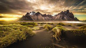 Vestrahorn, Stokksnes, IJsland van Chris Snoek