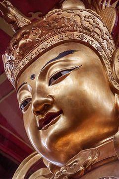 Schöner goldener Buddha von Jeroen Langeveld, MrLangeveldPhoto