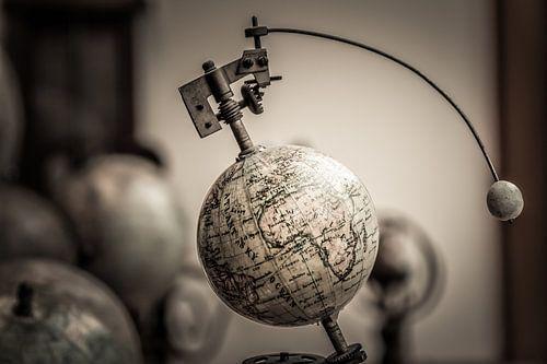 Earth and Moon Conjunction van