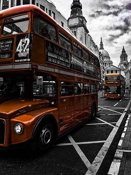 London bus / St Paul's Cathedral van