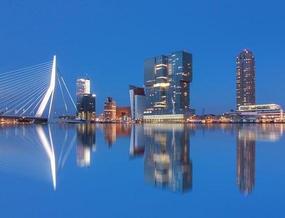 Rotterdam reflections van Ilya Korzelius