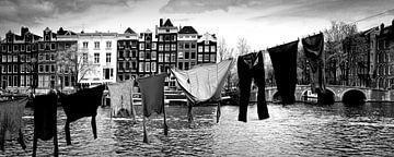 Urban scene Amsterdam (schwarz-weiß) von Rob Blok