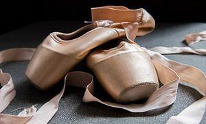 stilleven van balletschoenen van